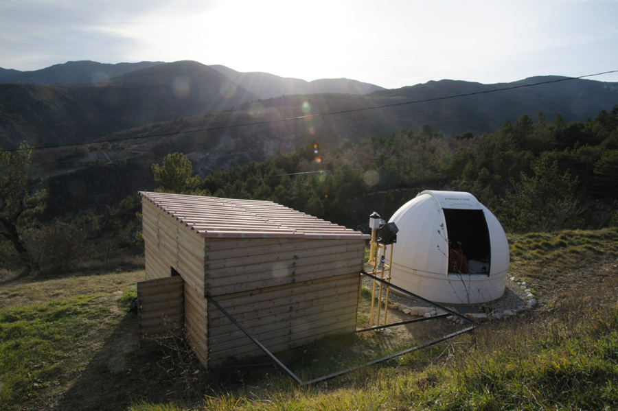 Observatories Alhena and Procyon